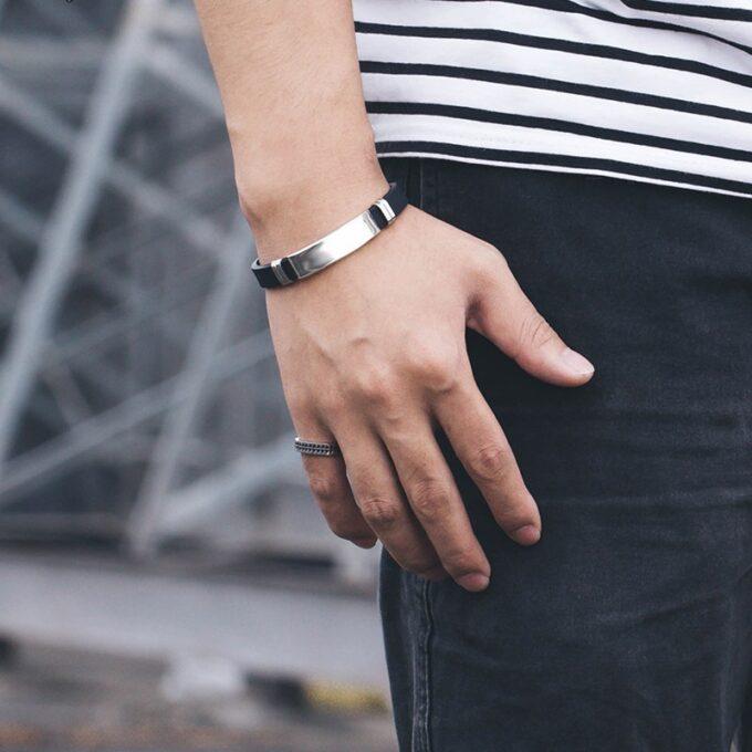 10 4 680x680 - Силиконовый браслет с металлическими кольцами ( с гравировкой )