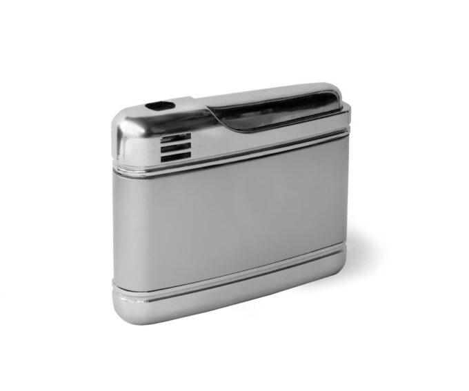 zazh small silver 50x40x12  enl auto width 1000 680x567 - МЕТАЛЛИЧЕСКАЯ ЗАЖИГАЛКА ПЬЕЗО (ГАЗ) В ЧЕХЛЕ
