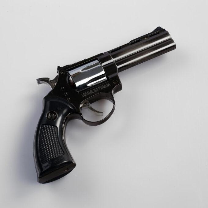 """700 1 3 680x680 - Зажигалка газовая """"Пистолет"""", в кобуре, пьезо"""