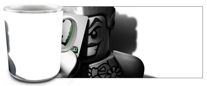 kr 2.4 680x284 - Кружка белая - Супер Герои Лего, Джокер с картой